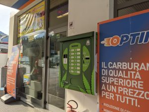Italy cannabis light, Italian economists: High-CBD hemp flower cut into illicit MJ market, hurt organized crime